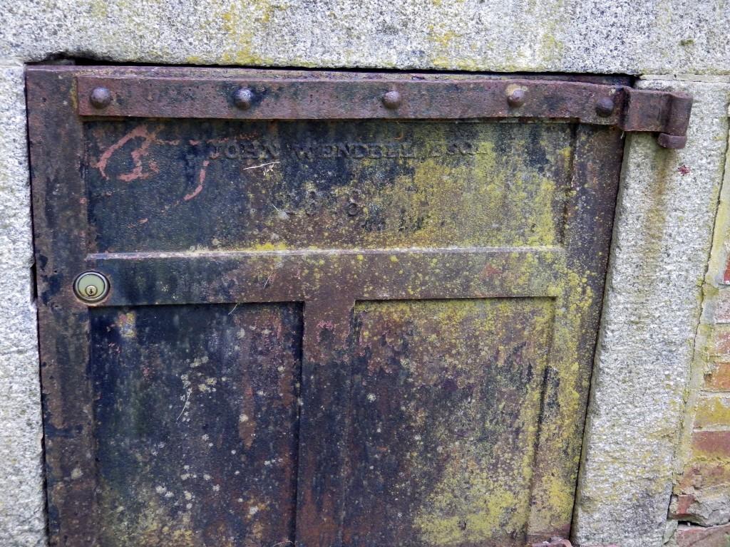 John Wendell tomb3